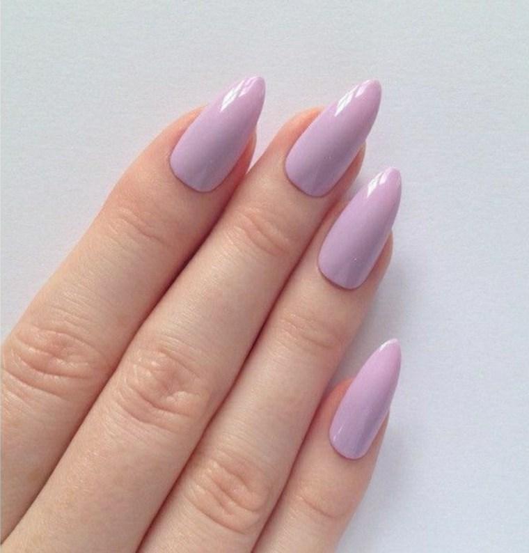 uñas lila rosado