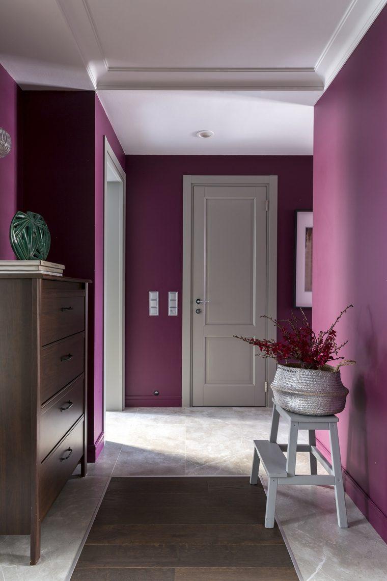 color-purpura-pasillo-casa-estilo-ideas