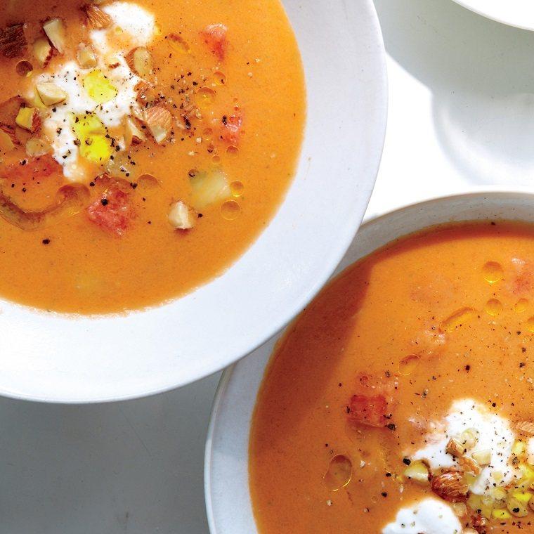 comidas frescas sopas-verano-gazpacho-sandia-queso-feta