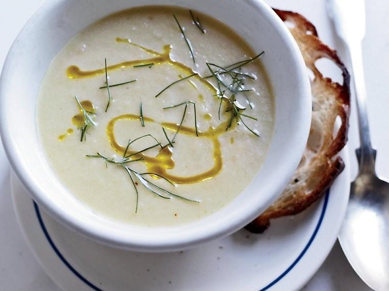 comidad-fresca-sopa-hinojo