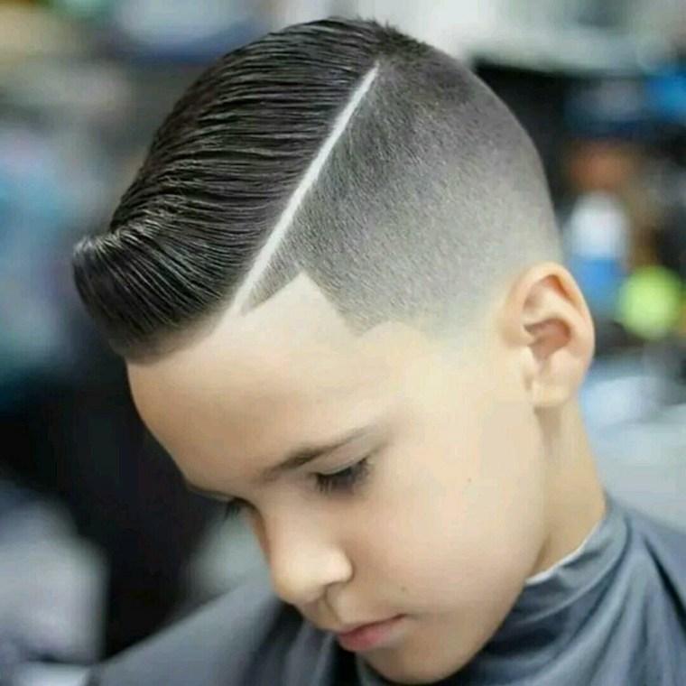 Corte de pelo degradado hacia detrás