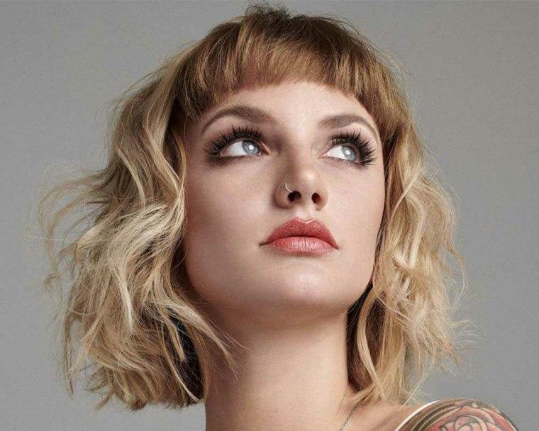 cortes-de-pelo-corto-modernos-rubio-flequillo
