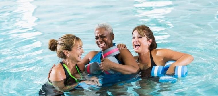 ejercicios aerobicos en agua