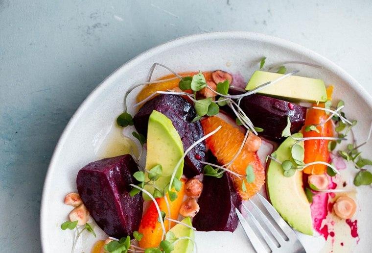 ensalada-cilantro-agucate-remolacha