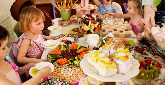 fiesta-de-cumpleanos-para-ninos-mesa