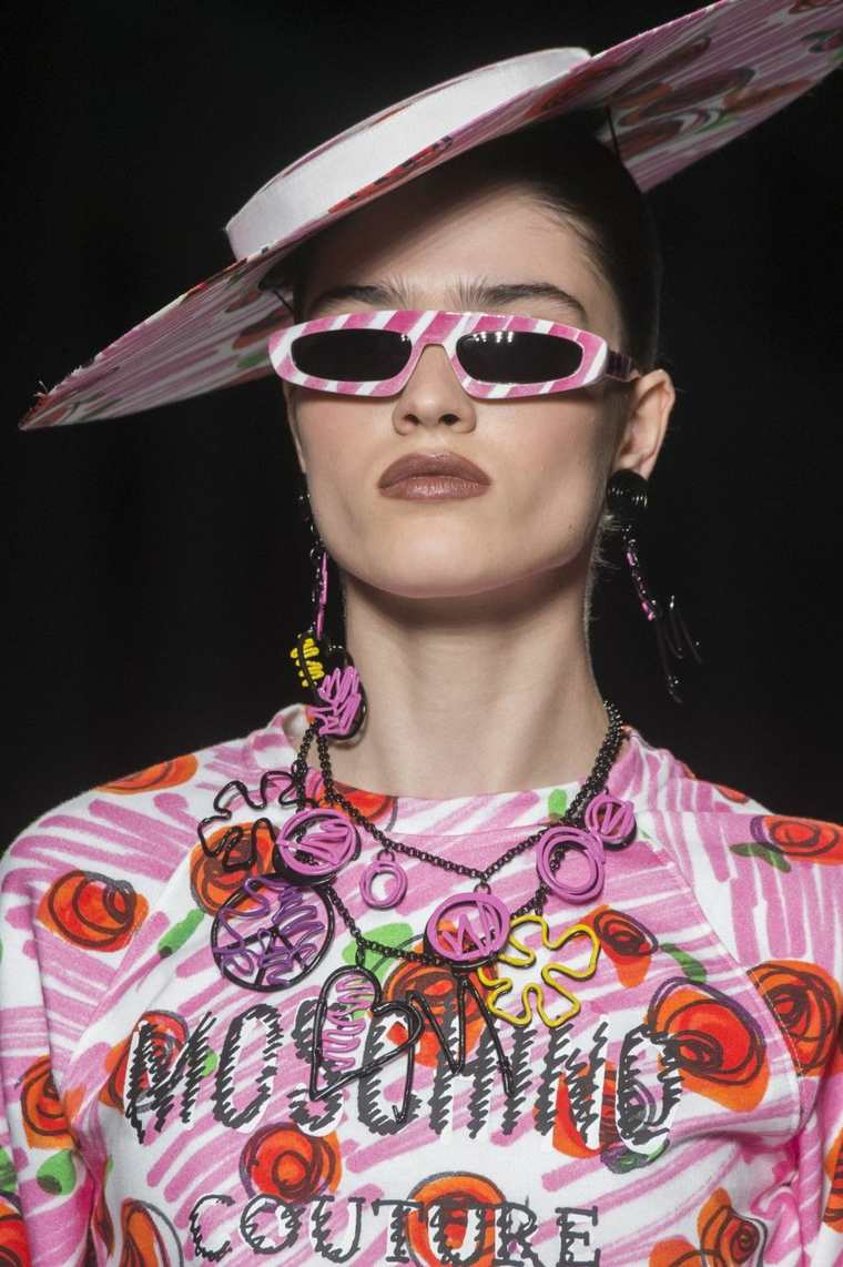 gafas-de-sol-coleccion-ideas-moschino-2019