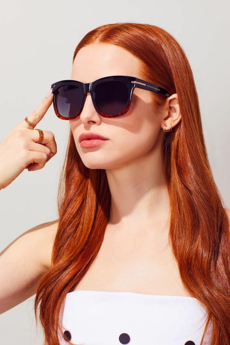 gafas-sol-opciones-2019-diseno-Madelaine-Petsch-moda
