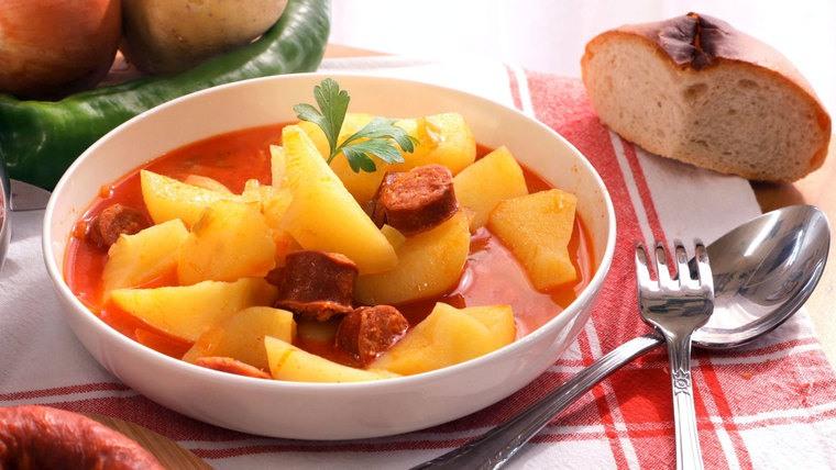 gastronomia española patatas riojana