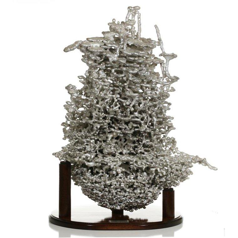 hormiguero hecho de aluminio