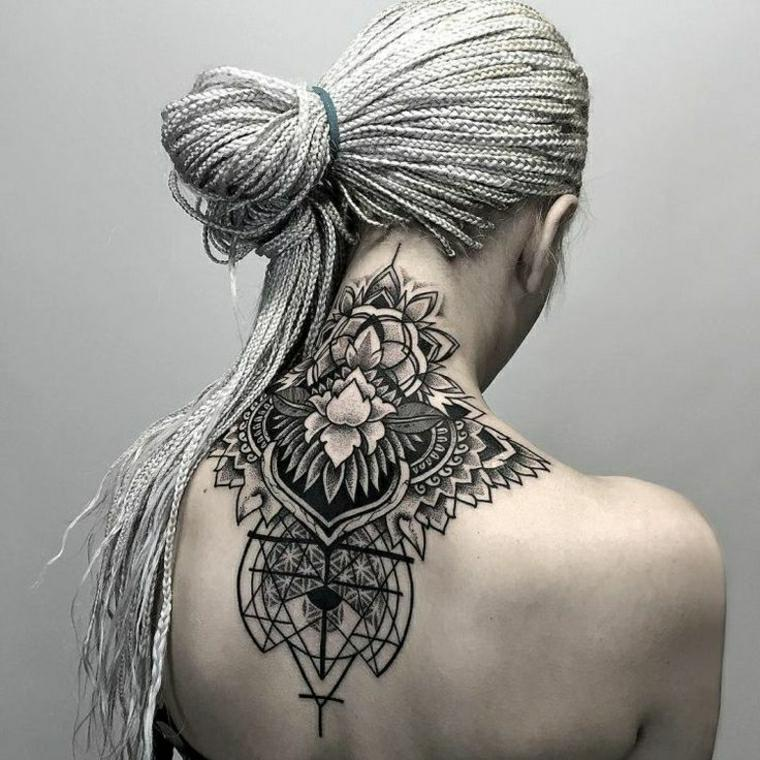 mandala-tattoo-diseno-geometrico-mujer