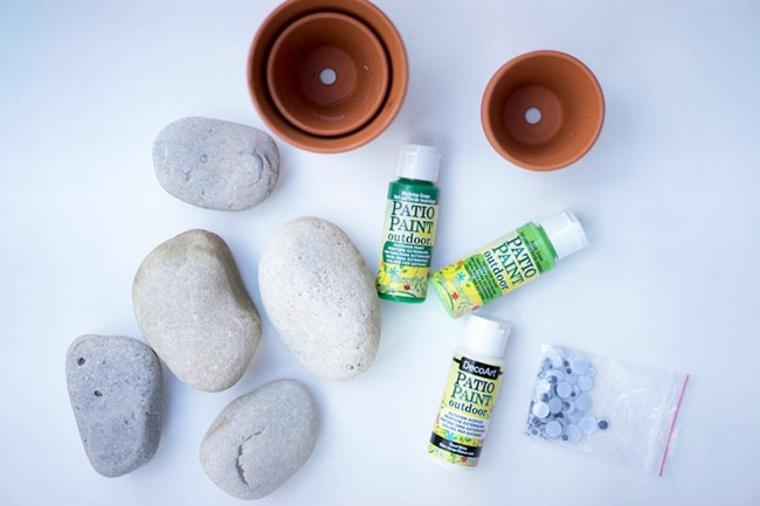 Ideas para hacer con piedras, floreros y pegamento
