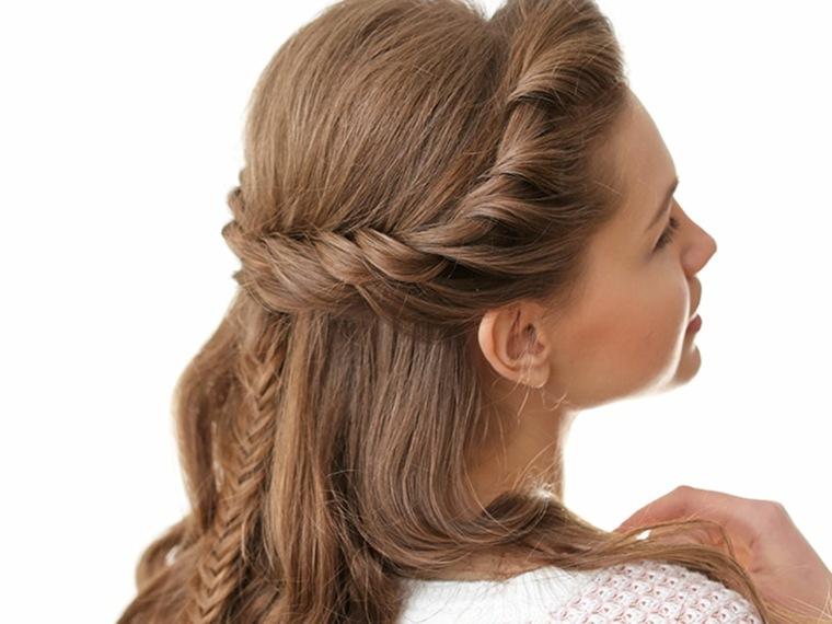 Peinado discreto con espina de pez