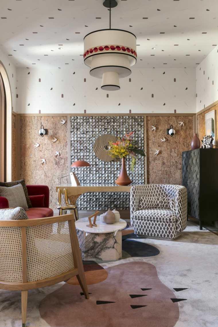 paredes con paneles de corcho