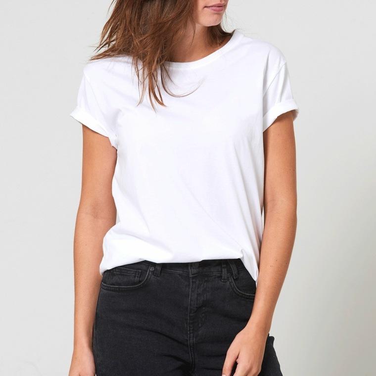 La camiseta clásica blanca