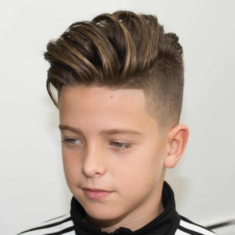 peinado con toupe para adolescente