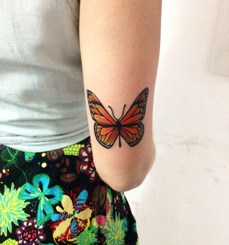 tatuaje-brazo-mujer-mariposa-estilop