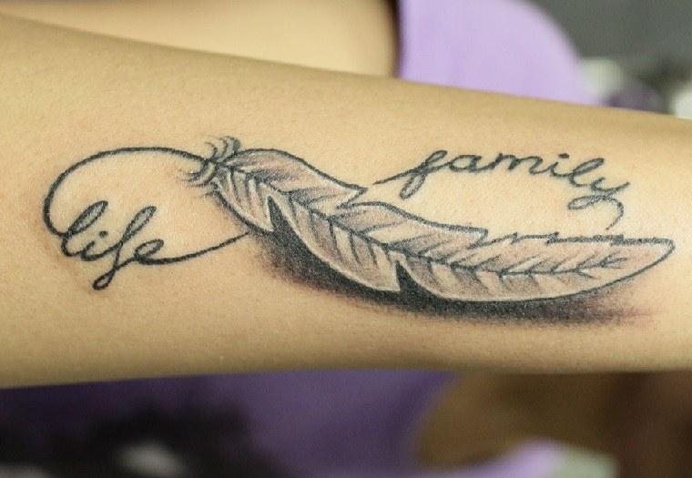 tatuaje-simbolo-infinito-life-family-pluma-tattoo