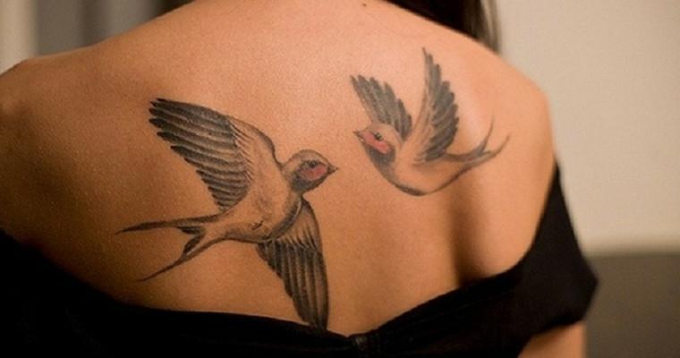 tatuajes-elegantes-pajaros-espalda