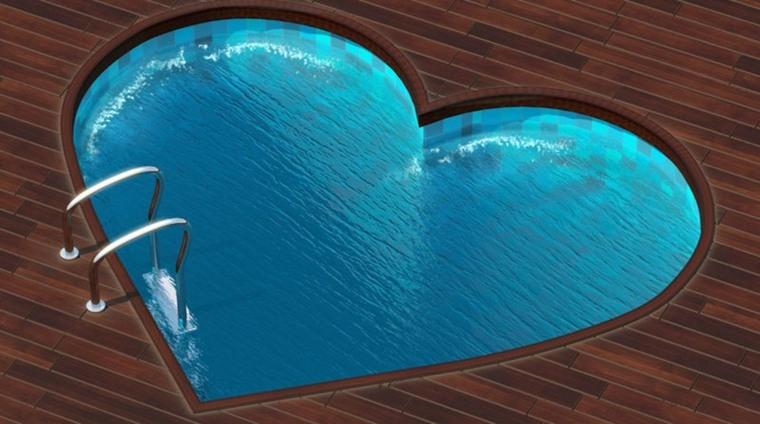 piscina en forma de corazón