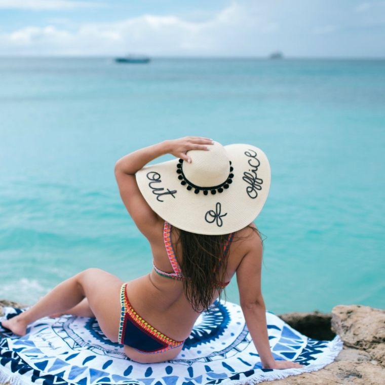 tipos-de-sombreros-ala-ancha-playa