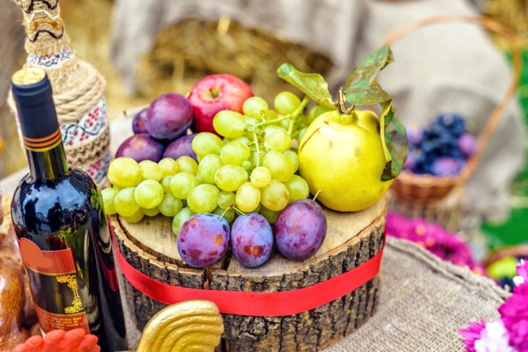 frutas y vino