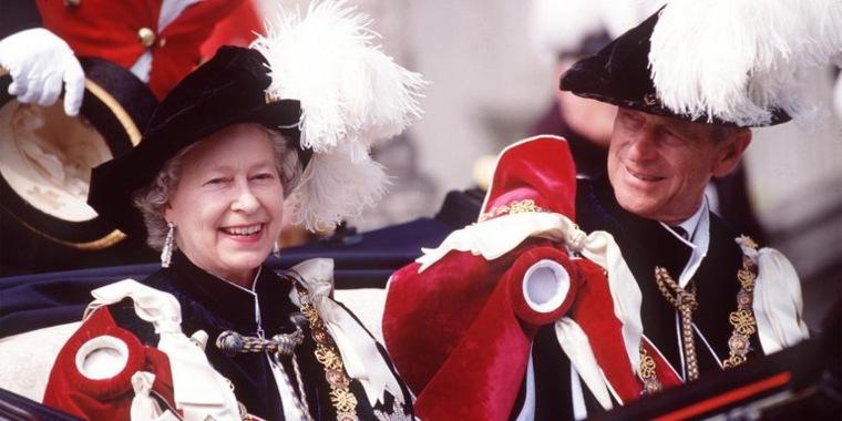 Vestidos de Reina - Isabel de Ingalterra y su consorte