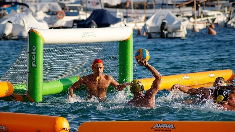 waterpolo en la playa