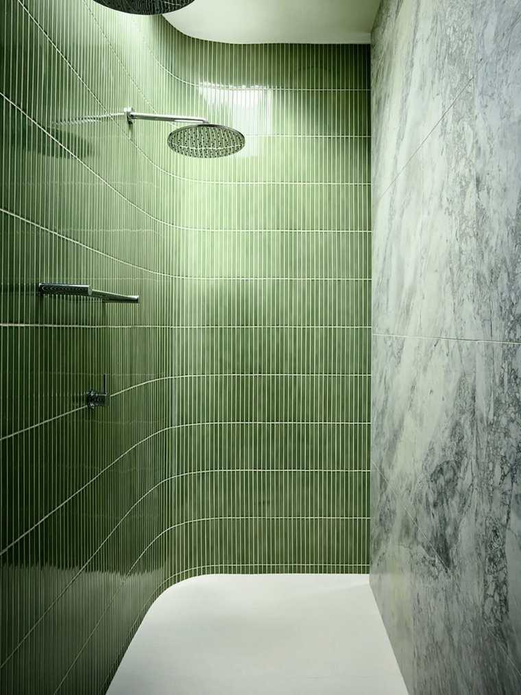 Diseños de cuartos de baño con acentos de color