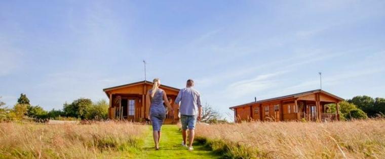 ¿cómo difieren las cabañas de la mayoría de las casas?