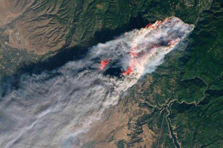 causas de los incendios forestales satelite