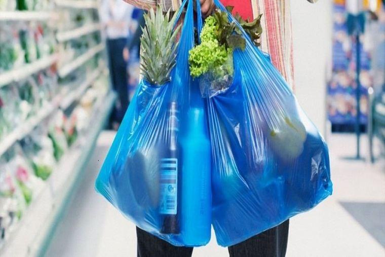 el plástico bolsas