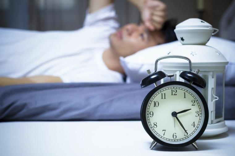 insomnio-cronico-combatir-ayuda