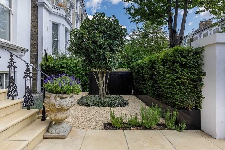 jardin-entrada-diseno-piedras