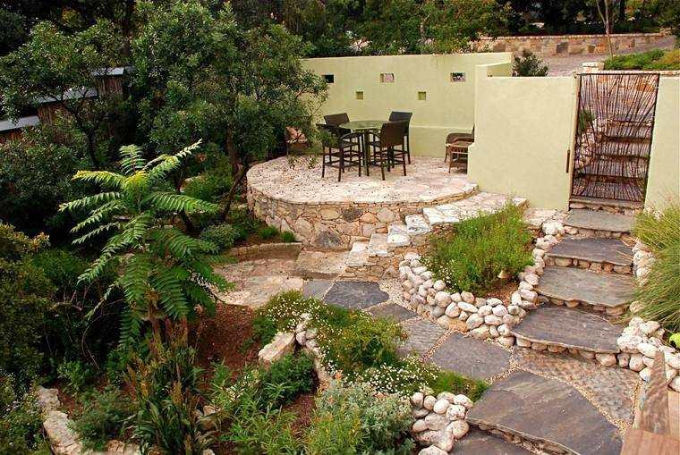 jardines pequeños relieve