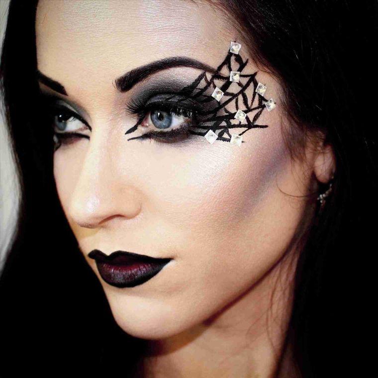 maquillaje de bruja delineado