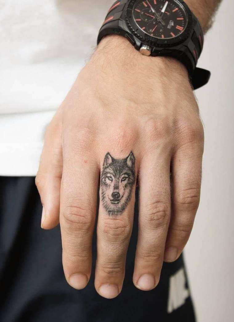 tatuajes de lobos mini