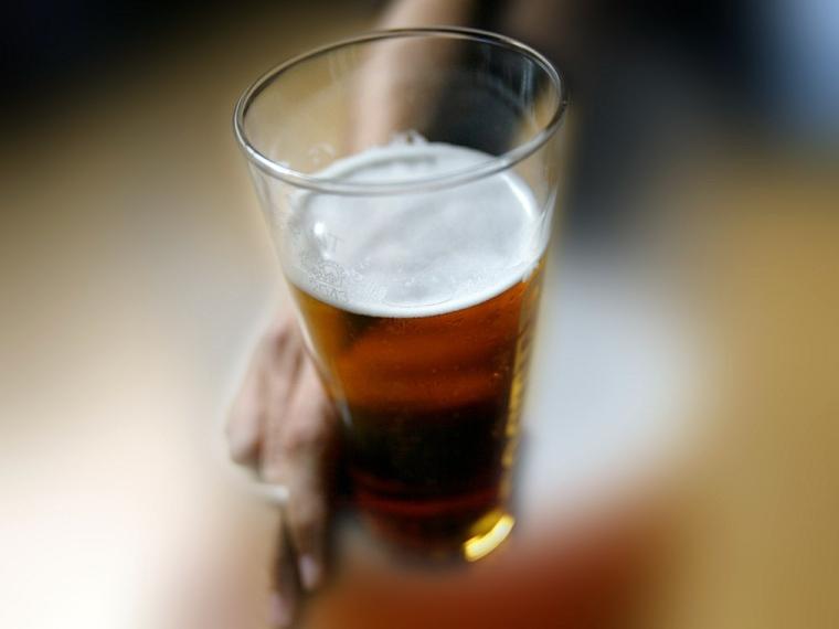 Reduce la cerveza para reducir la grasa del vientre y obtener mejores resultados
