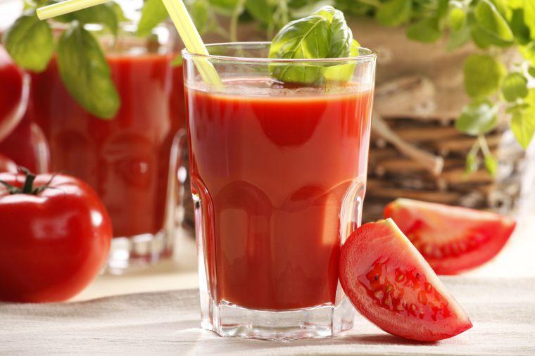 zumos naturales tomate