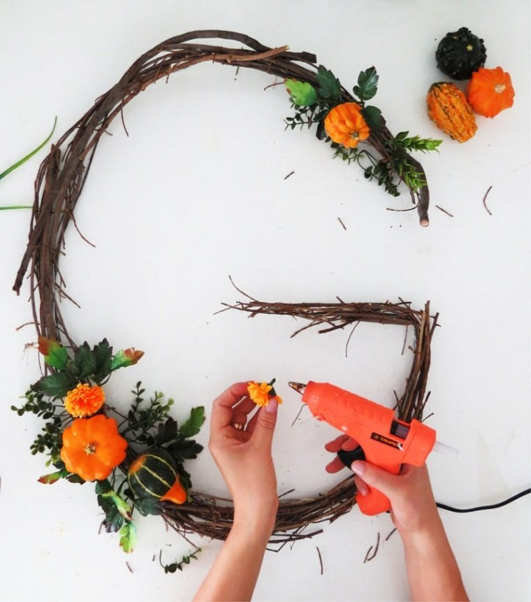 Diy-letra-colgar-pared-ideas-calabazas-pegar
