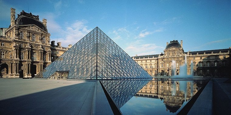 Louvre-mueseo-paris-airbnb