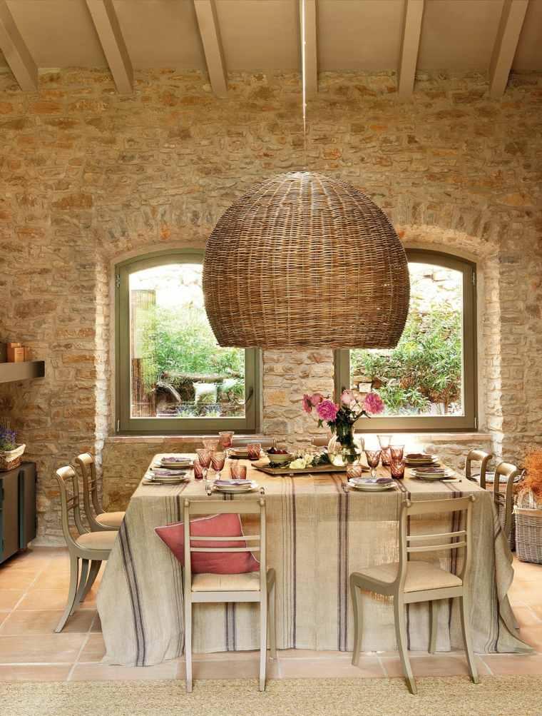 paredes de piedra en interiores