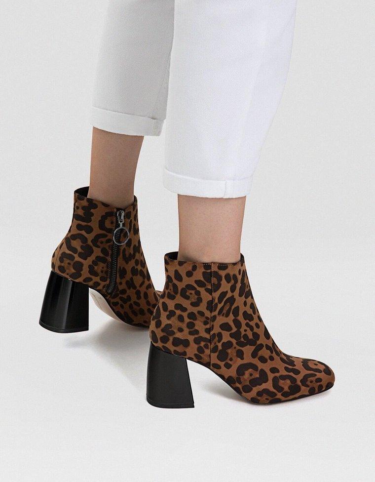 botas-estampado-animal-Stradivarius