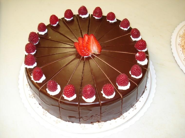 cobertura de chocolate fresa