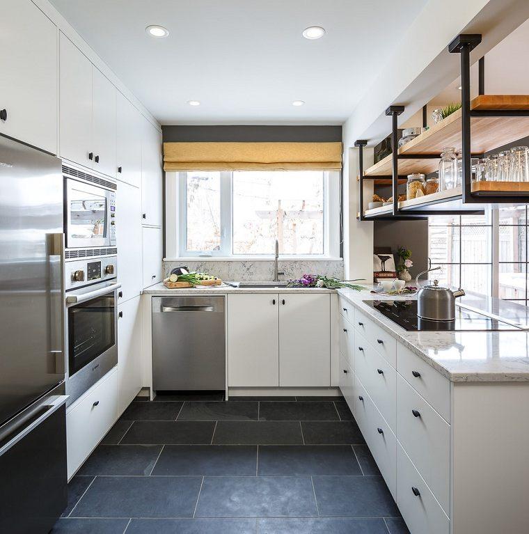 cocina-forma-u-muebles-blancos