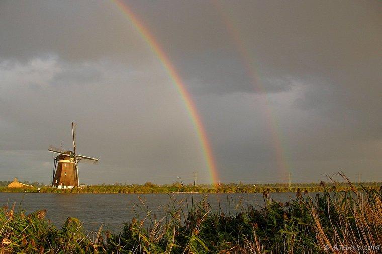 colores del arcoiris alegre