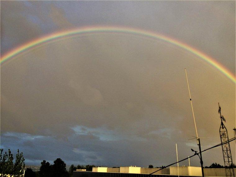 colores del arcoíris gotas