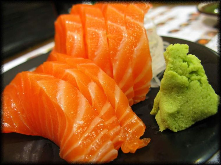 comida tipica japonesa crudo