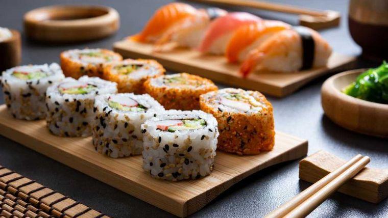 comida tipica japonesa llamativo