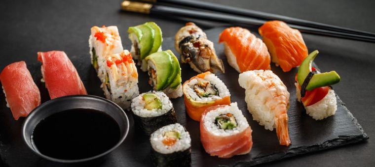 comida tipica japonesa presente