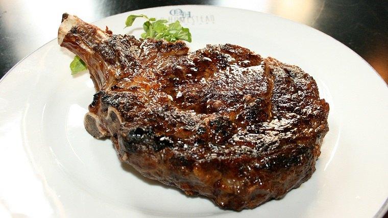 cortes de carne-caros-mundo-Old-Homestead-Steakhouse
